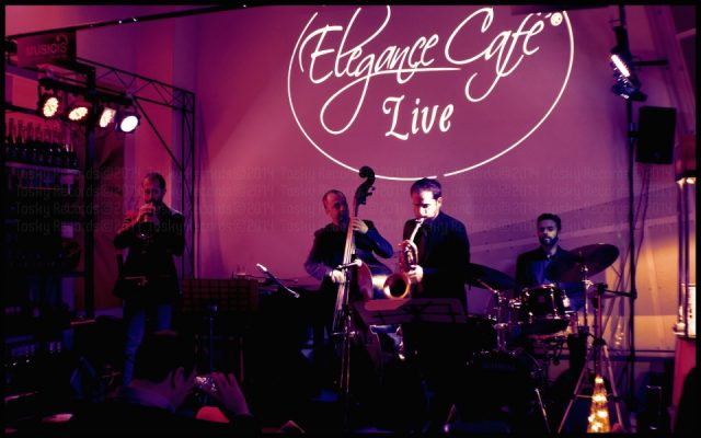Live at Elegance Cafe_1